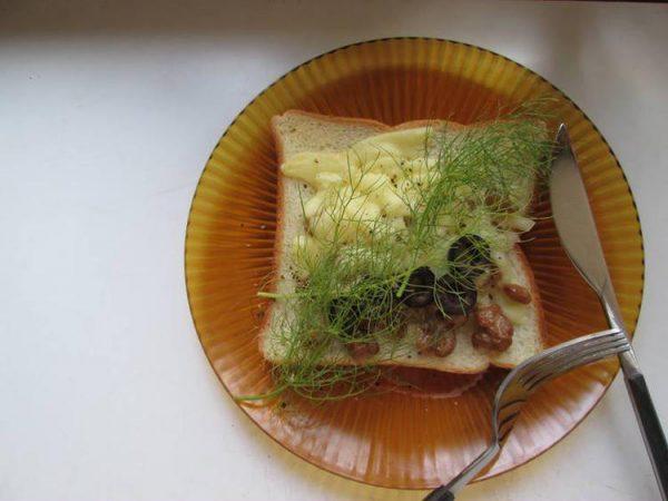 進化系納豆トーストハーブのせ by:ハーブ料理家 白山美奈子さん