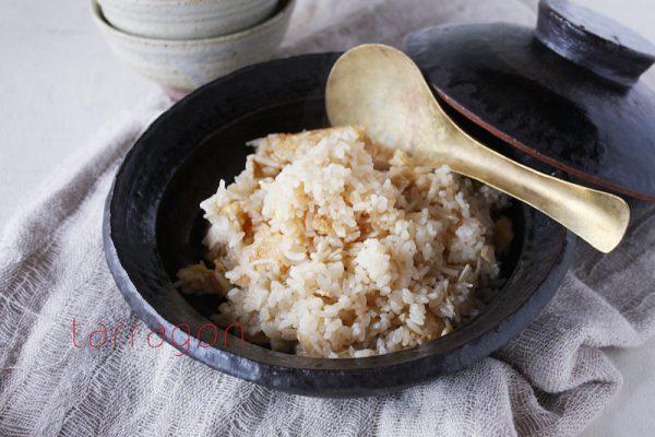 ダイエット中の強い味方!簡単ヘルシー「えのきと油揚げの炊き込みご飯」 by:タラゴン(奥津純子)さん
