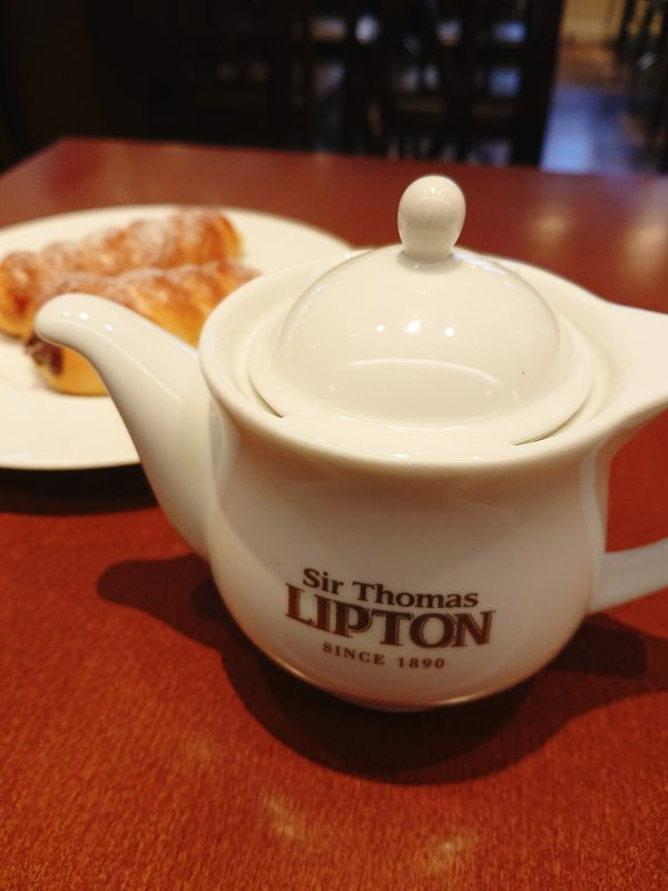 【京都】京都駅直結!コルネと紅茶の絶品モーニング@サー・トーマス・リプトン ティーハウス