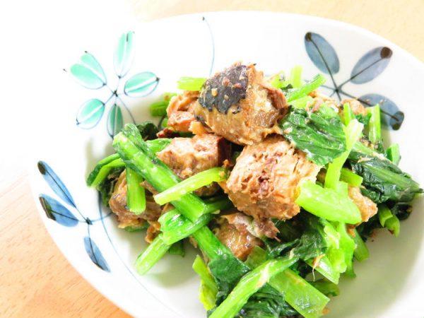 レンジで2分☆サバ缶と小松菜のバター醤油 by:kaana57さん