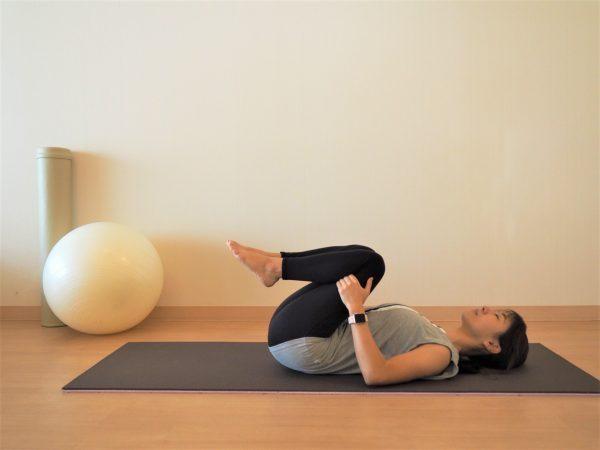 反り腰を伸ばす「腰痛解消ストレッチ」