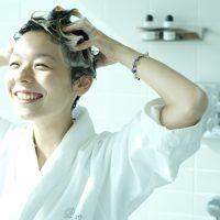 美容師さんも実践。美髪をつくる「正しいシャンプーの方法」6ステップ【動画あり】