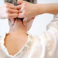 抜け毛や頭痛を解消!季節の変わり目こそ「マッサージ」で頭皮ケア♪