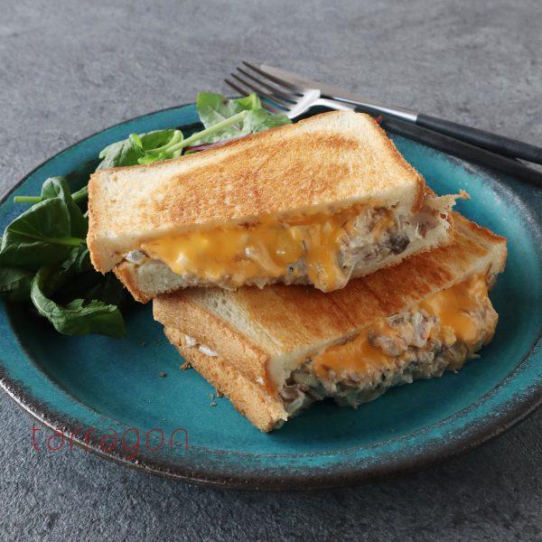 さば缶で簡単♪チーズとろ~りツナメルトの日本版!「サバメルトサンド」
