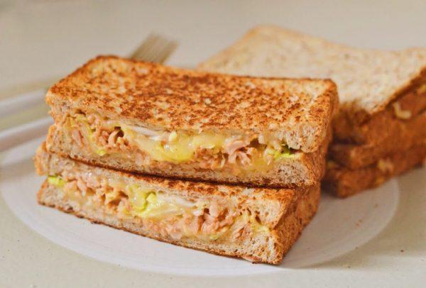 チーズがとろ~り♪フライパンで簡単「キャベツのツナメルトサンド」 by:柳沢紀子さん
