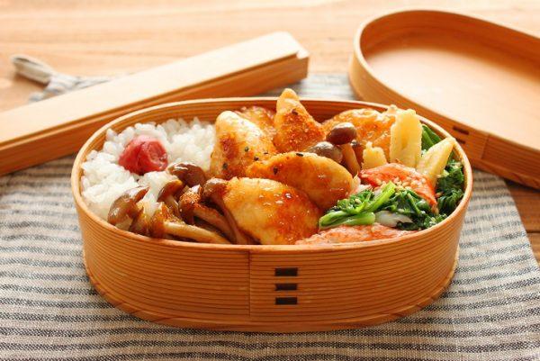 簡単で飽きない!「鶏ささみとしめじの甘辛」「小松菜レンジ炒め」2品弁当