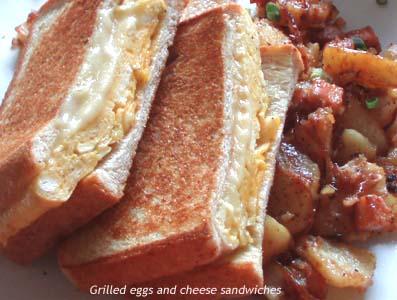 フワフワ、サックリ!「エッグ&チーズのホットサンドイッチ」 by:HOMARYさん