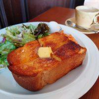【大阪】辞書級の厚切りトーストが圧巻!一日中モーニングが楽しめるカフェ@talo coffee