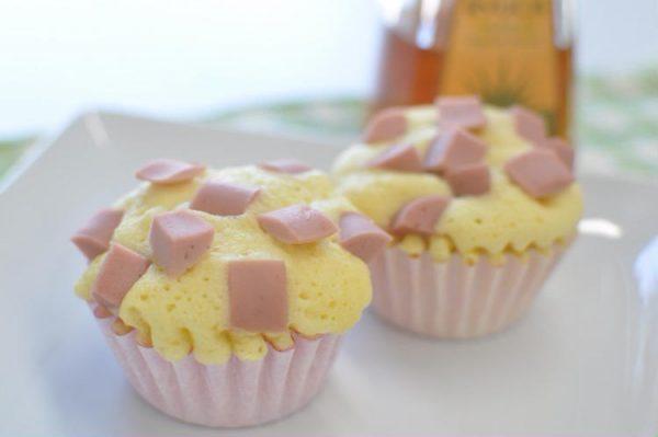 レンジでカップケーキ(10個分) by:ニッスイの「おさかなのソーセージ」