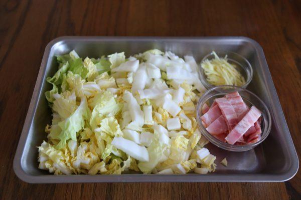 白菜スープの材料
