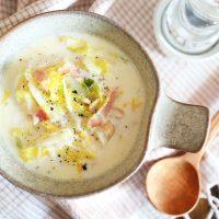 コンソメ不要。お鍋の残りで簡単「白菜とベーコンのミルク味噌スープ」