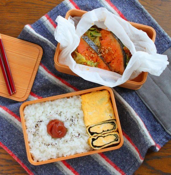 レンジで楽チン!「鮭のちゃんちゃん焼き風」「のり巻き卵」2品弁当 by:料理家 かめ代。さん