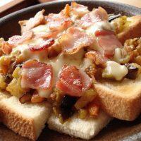 食パン1枚で満腹に!?簡単「がっつり系」トーストアレンジ5選