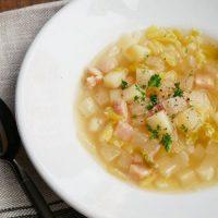 野菜を炒めて煮込むだけ!簡単「白菜と大根のミネストローネ」