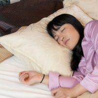睡眠不足で食欲増進!?眠る前のおすすめダイエット行動3つ