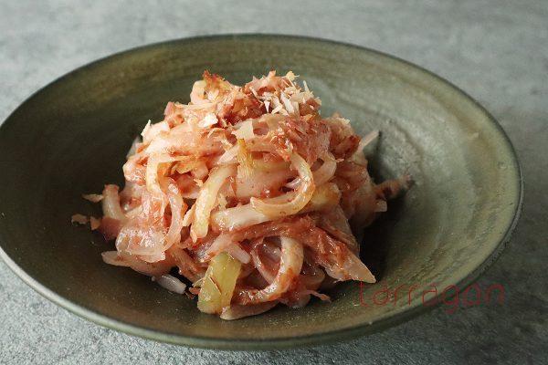 年末年始の食べ疲れをリセット!4分で簡単「玉ねぎと梅のおかか和え」 by:タラゴン(奥津純子)さん