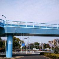 「歩道橋」を2単語の英語で言うと?