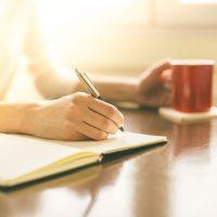 起きるのが楽しみになる!?「朝ノート」の活用法3つ
