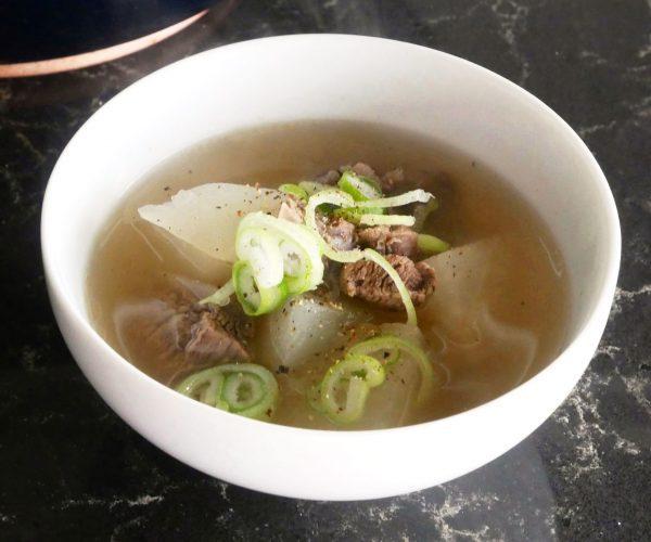 鍋に入れて煮るだけ!簡単「大根と牛肉のスープ」 by:料理家 村山瑛子さん