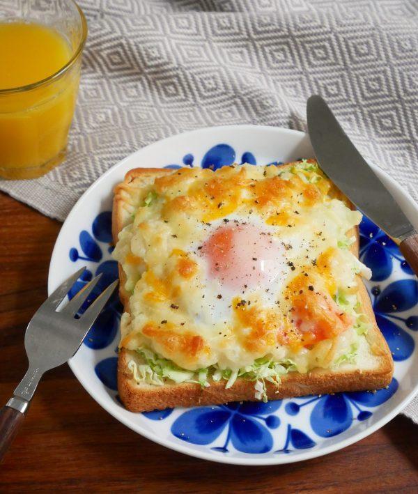 コンビニ食材だけ!忙しい朝でもラクラク「巣ごもりポテサラトースト」 by:料理家 村山瑛子さん