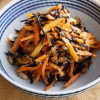 煮物よりシンプルで簡単!「ひじきとにんじんの炒め物」