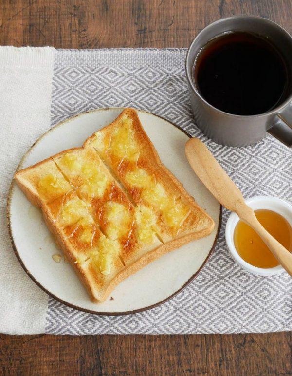 食パンに塗って焼くだけ!簡単「ジンジャーハニートースト」