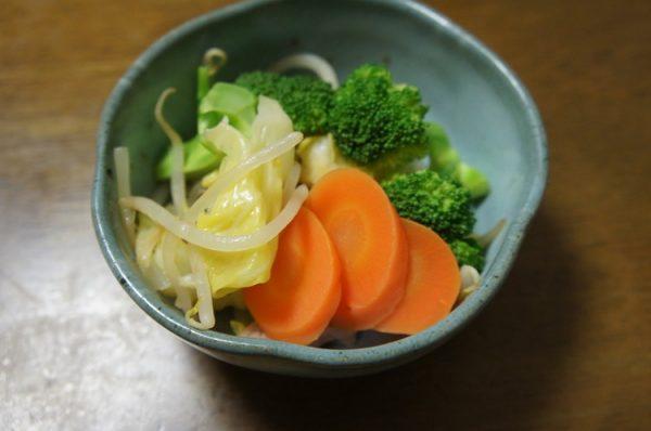 油なしでつくりはじめる野菜炒め by:ドラろうさん