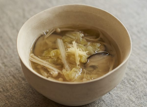 年末の胃腸をやさしくケア!とろ~り温まる「白菜の葛汁」 by:料理家 鈴木愛さん