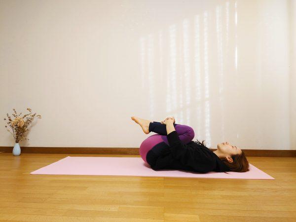 反り腰を改善して腰痛予防!美ボディを作る「立位ドローイン」「胎児のポーズ」