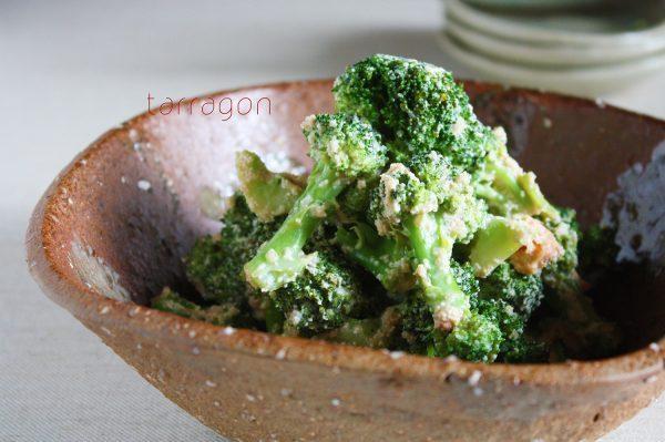 【5分で簡単!しゃきしゃき食感♪「ブロッコリーの明太マヨ炒め」】