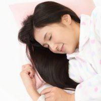 肩こりや腰痛を防いでくれる!?「寝返り」の役割とは