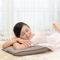 うつ伏せor仰向け…ぐっすり眠れる「寝姿勢」って?