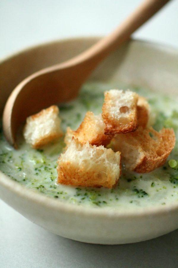 ブロッコリーとじゃがいものチャウダースープ~ざくざくバゲット添え by:samanthaさん