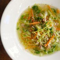野菜がたっぷり食べられる!簡単「細切り野菜のコンソメスープ」