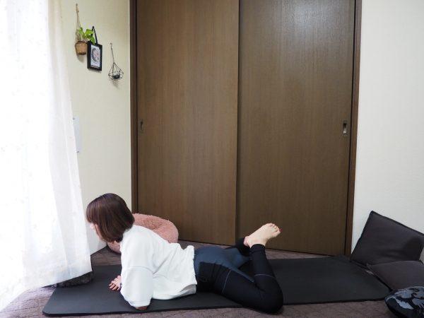 肌力を底上げ! リンパが集まる股関節まわりをほぐす「うつ伏せストレッチ」