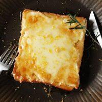 春の週末ブランチに♪簡単「カフェ風トースト」5選