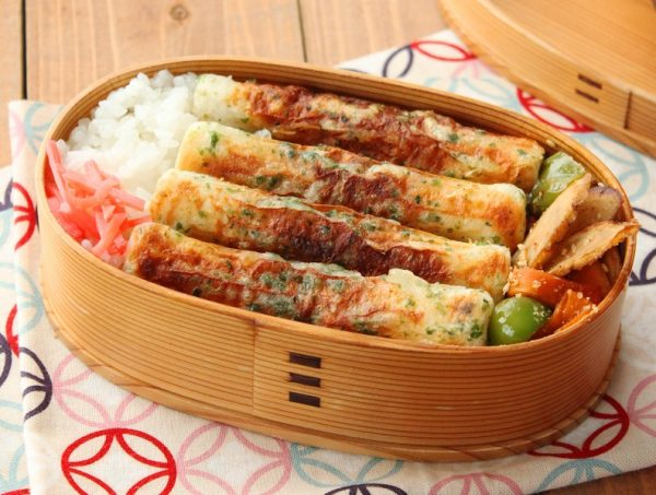 インパクト大!簡単「ちくわ磯辺焼き」「野菜キンピラ」2品弁当