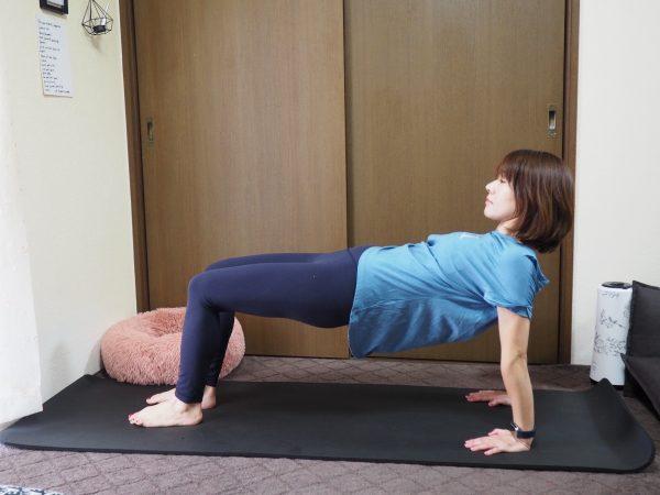 シンプルなのに万能!「腕・背中・お腹・脚」まとめて引き締めるエクササイズ