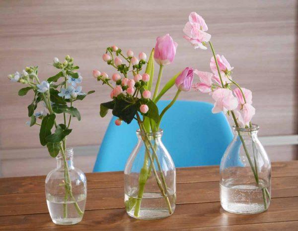 朝美人アンバサダーあゆみさん_朝の掃除が終わったら花を生けてリフレッシュも