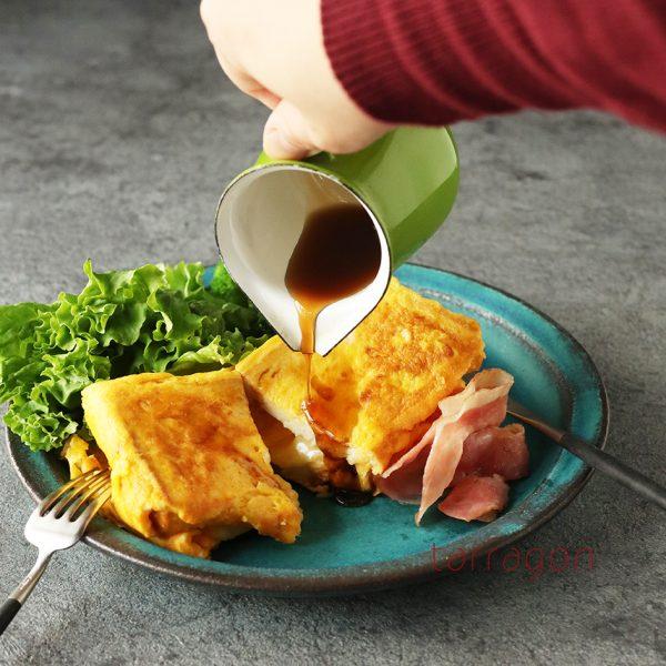韓国でバズったレシピをアレンジ!フライパン1つで簡単「ベーコンエッグ・ワンパンサンド」