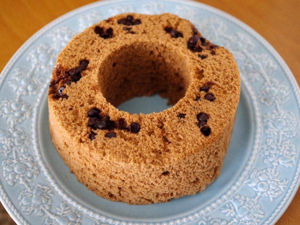 レンジで簡単チョコチップ入り♪ホットケーキミックス(HM)のココアシフォンケーキ by:めろんぱんママさん