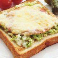 朝は時間をかけない!料理家さんの栄養満点「パン」アレンジレシピ3選