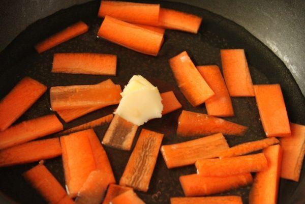スナップエンドウとにんじんのバター煮