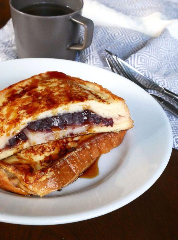 食パンにはさんで漬けて焼くだけ!簡単「あん餅フレンチトースト」 by:料理家 村山瑛子さん