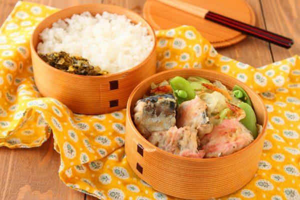 フライパン1つで2品!簡単「サバ缶の紅しょうが衣」「野菜の桜海老炒め」弁当