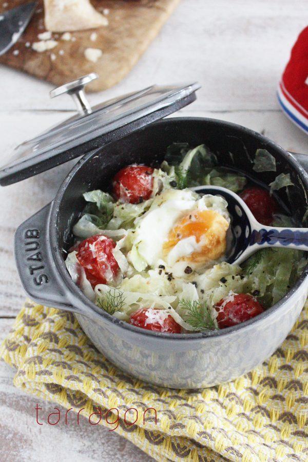 1/2日分の野菜が朝だけで摂れちゃう♪「キャベツの巣ごもリ卵スープ」