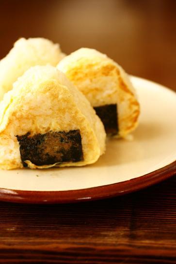 卵でこんがり♪「フレンチトースト風おにぎり」 by大本紀子さん