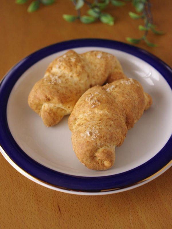 ホットケーキミックスと豆腐の簡単シンプル塩パン(ハード系バターなしタイプ) by:めろんぱんママさん