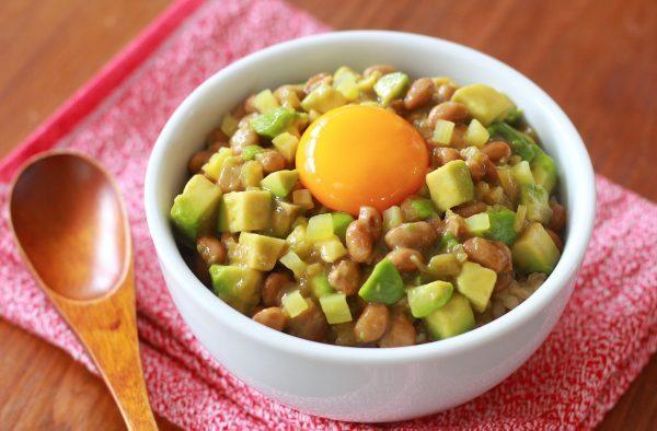 のっけるだけで美容&ダイエット!?簡単「アボカドのっけ飯」3種 by河瀬 璃菜さん