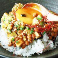 時短でおいしくキレイになる!簡単「アボカド丼」朝食レシピ5選